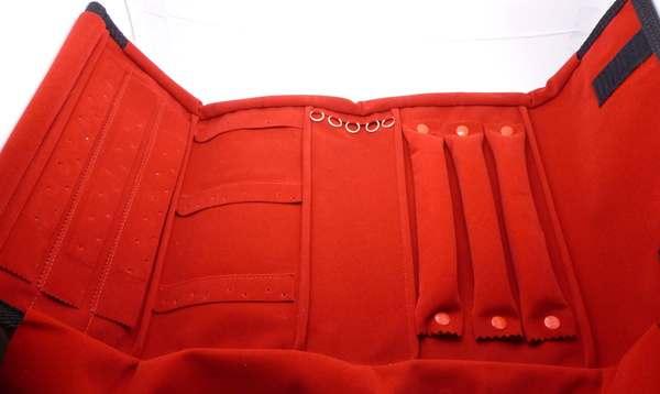 Estuche de tela de diferentes colores hay espacio para 15 anillos,5 pulseras y 30 aros aprox-Insumos -Insumos Joyas-MMG
