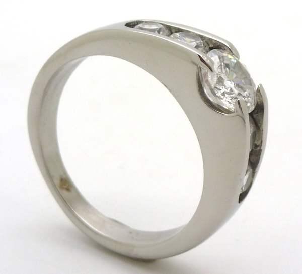 Joyas de acero quirurgico por mayor, anillos. Anillo acero estilo solitario pero con circones en lo-Joyas de Acero-Anillos-RA0645