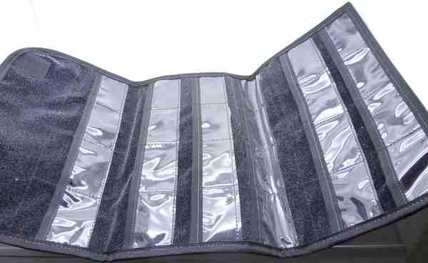 Manga Colgantes. Estuche de tela de 22 cm por 14 cm (cerrada) diferentes colores hay espacio para 21-Insumos -Insumos Joyas-MC
