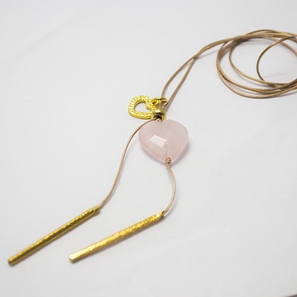 Joyas Bañadas en oro Hechas a mano, caída de 42cms, con bolita ajustable con el corazónbañado. Piedr-Joyas Banadas-Collares-NE0142