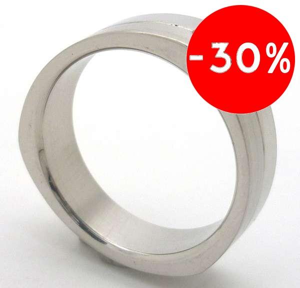 Joyas de acero quirurgico por mayor, anillos. anillo delgado en forma de triangulo con 3 circones e-Joyas de Acero-Anillos-RA0068