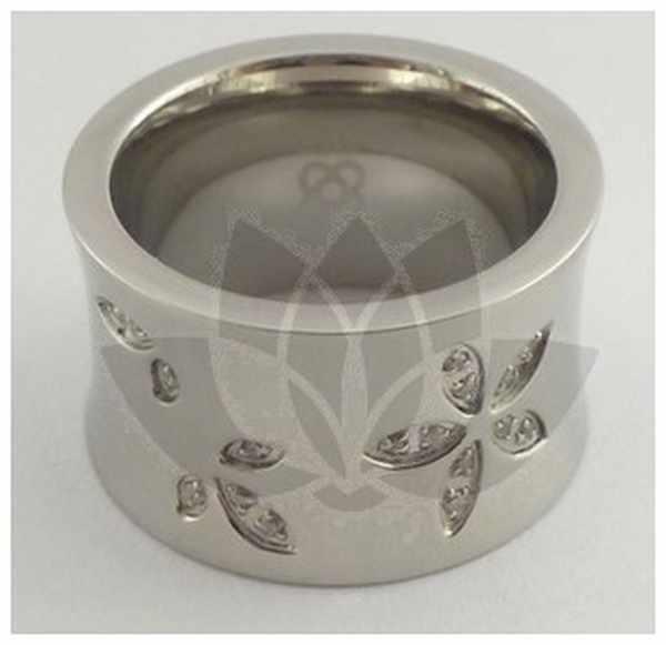 Joyas de acero quirurgico por mayor, anillos. anillo grueso con curva hacia adentro y pequeñas flor-Joyas de Acero-Anillos-RA0211