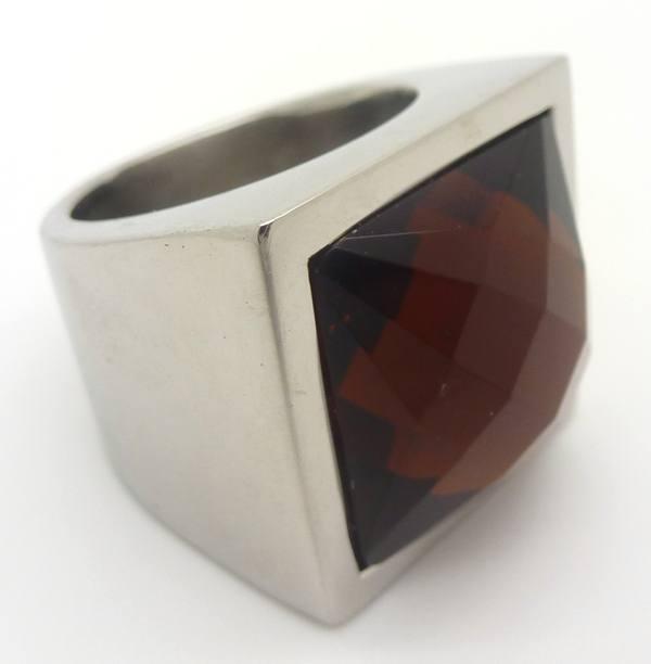 Joyas de acero quirurgico por mayor, anillos. Anillo cuadrado grueso con piedra café facetada-Joyas de Acero-Anillos-RA0487