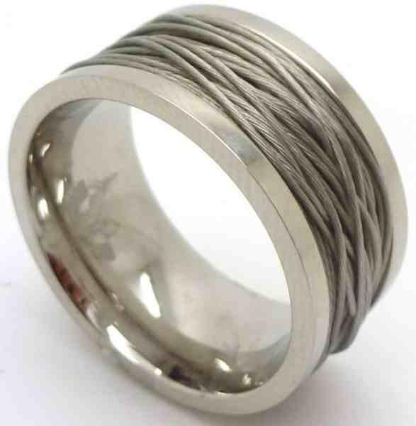 Joyas de acero quirurgico por mayor, anillos. Anillo y en el centro hilos de acero-Joyas de Acero-Anillos-RA0567