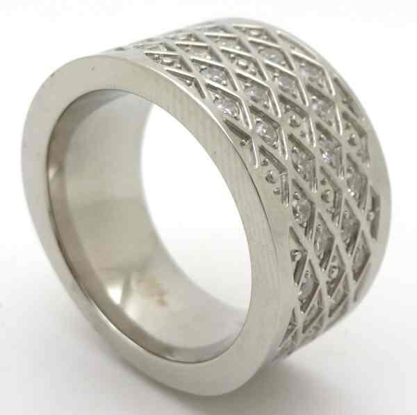 Joyas de acero quirurgico por mayor, anillos. Anillo acero forma de tubo con circones negros en fre-Joyas de Acero-Anillos-RA0633