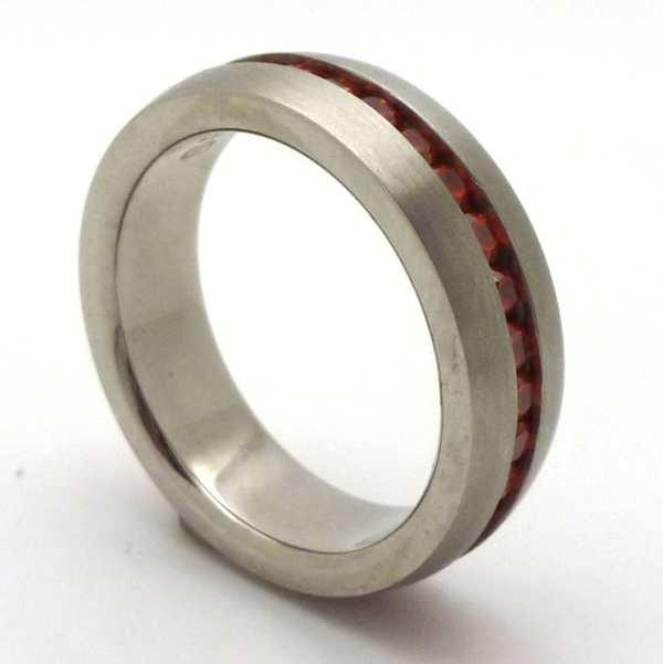 Joyas de acero quirurgico por mayor, anillos. 7 mm de ancho satinado con circones rojos sin fin-Joyas de Acero-Anillos-RA0673L