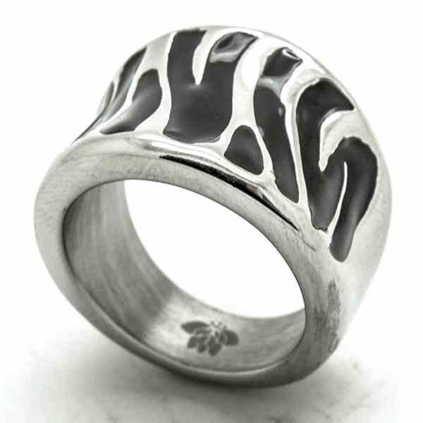 Joyas de acero quirurgico por mayor, anillos. Anillo acero, esmaltado negro en forma de cebra-Joyas de Acero-Anillos-RA0745NL