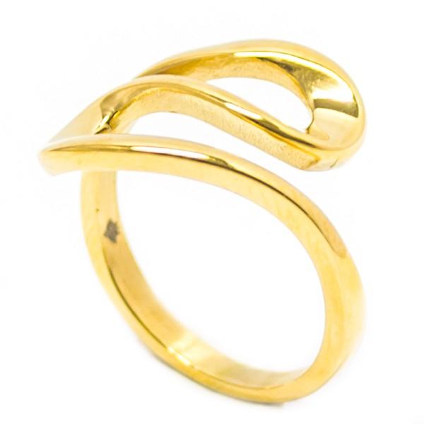 Anillos-Joyas de Acero por mayor, anillo de acero dorado en su centro se destaca una curva esto hace que el  anillo sea muy novedoso -Joyas de Acero-Anillos-RA0855